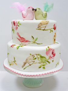 Vintage-Inspired-Wedding-Cake-Birds-toppper