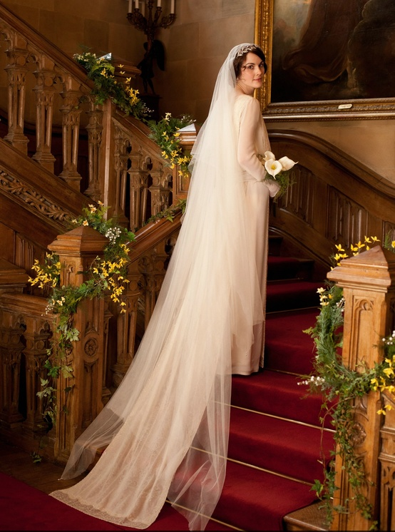 lady-mary-dress-stairs