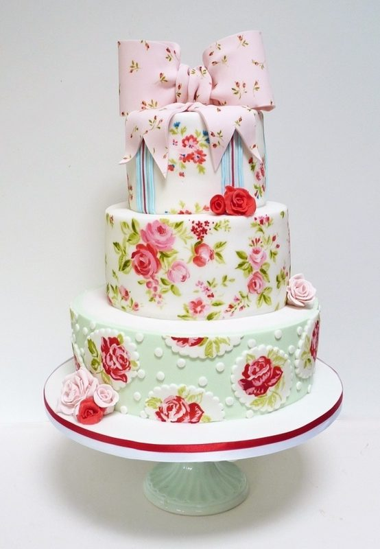 Tiers of Joy! Vintage Inspired Wedding Cakes!
