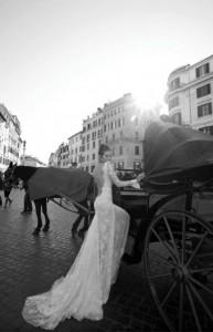 vintage-bride-horse-carriage