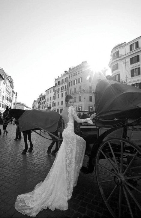 vintage-bride-horse-carriage
