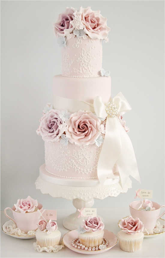 Tiers of Joy! Vintage Inspired Wedding Cakes! - FrouFrou Le Bleu
