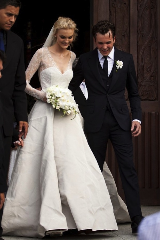 Brazilian-model-Caroline-Trentini-married Fabio-Bartelt-in-custom-Olivia-Theyskens-wedding-9