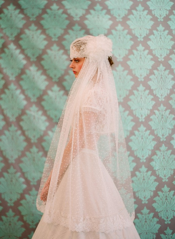juliet-cap-lace-veil-twigs-and-honey-etsy