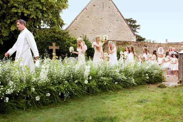 kate-moss-wedding-church-kate-moss-vintage-wedding-england-church-1