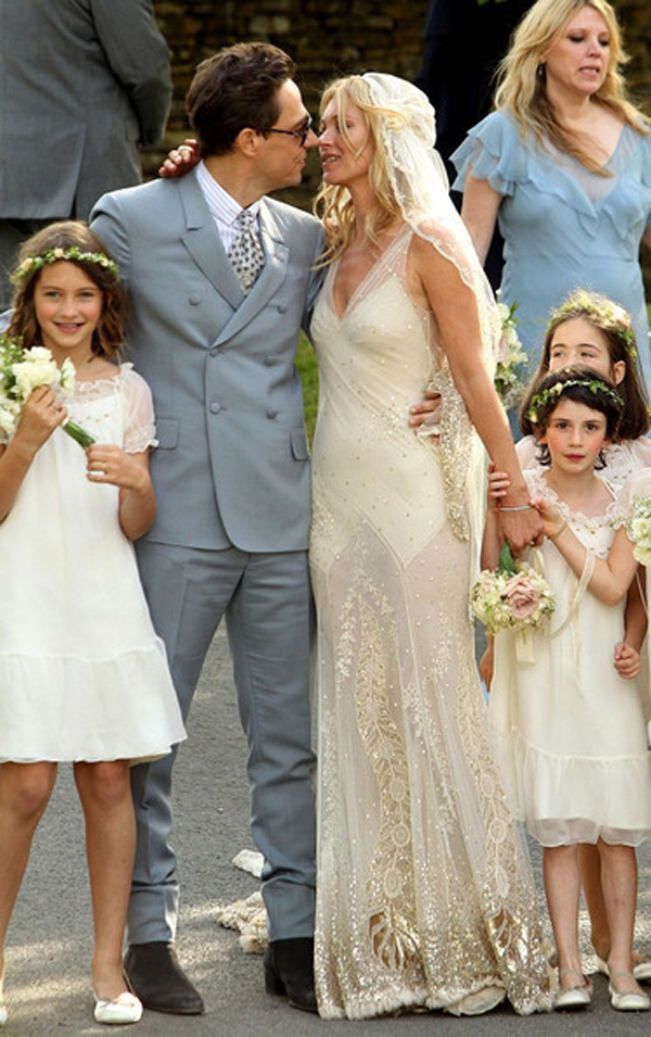 kate_moss_wedding-vintage-inspired-wedding-kate-moss-wedding-dress-kate-moss-bridal-dress-2