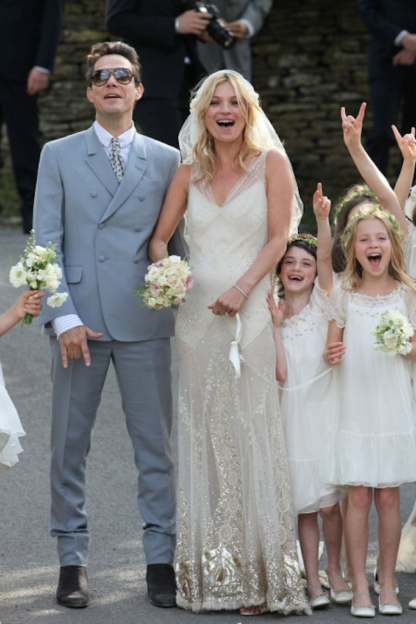 kate_moss_wedding-vintage-inspired-wedding-kate-moss-wedding-dress-kate-moss-bridal-dress-replica-6