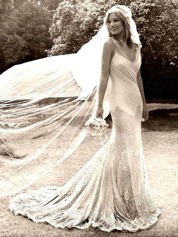 kate_moss_wedding-vintage-inspired-wedding-kate-moss-wedding-dress-kate-moss-bridal-dress-replica-8