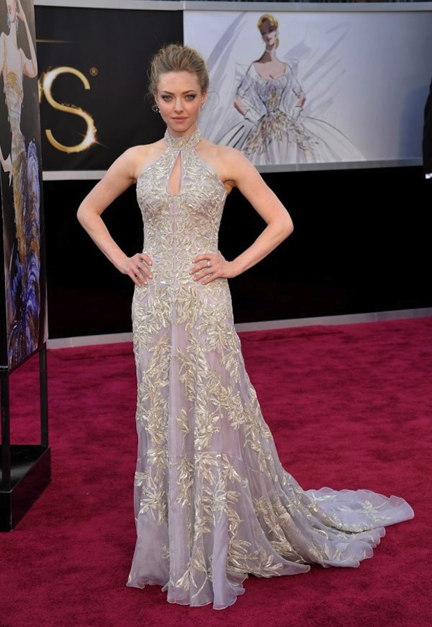 oscars-2013-amanda-seyfried-red-carpet