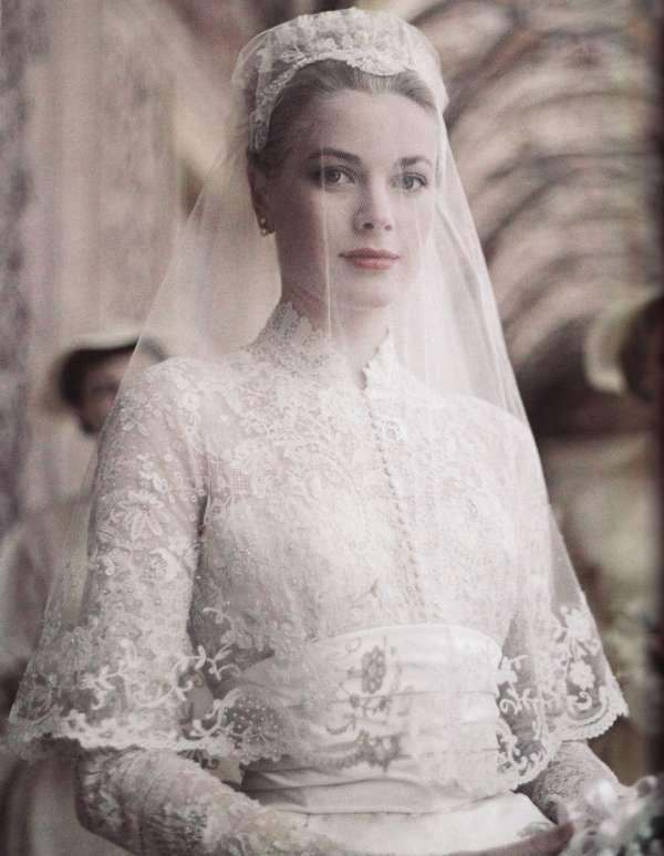 grace-kelly-bride-vintage-mantilla-veil-classic-bride