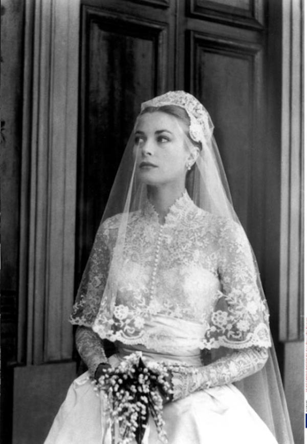 Chic vintage inspiration grace kelly 39 s gorgeous for Grace kelly inspired wedding dress