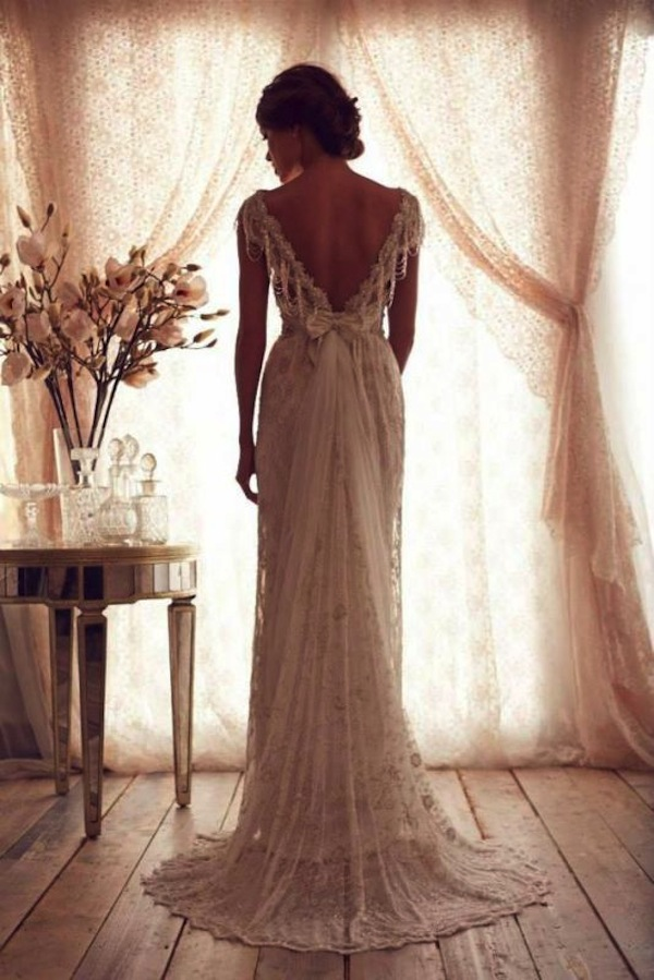 anna_campbell_vintage-inspired-wedding-dress-lace-dress-4