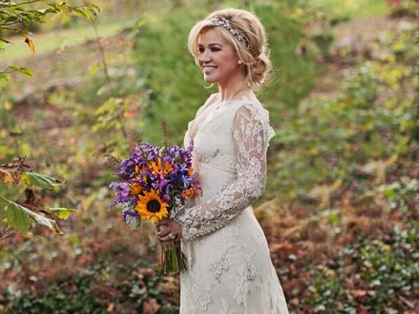 kelly-clarkson-wedding-dress-vintage-country-pic-7