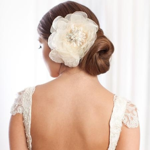 large-flower-hair-pin-ivory