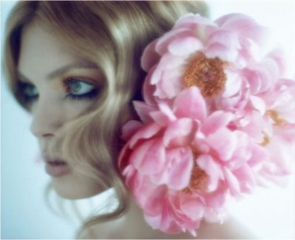 large-hair-flower-bridal-accessory