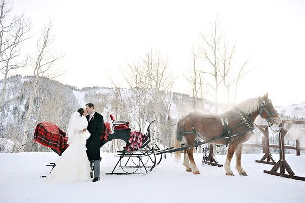 winter-wedding-ideas-vintage-winter-wedding-12