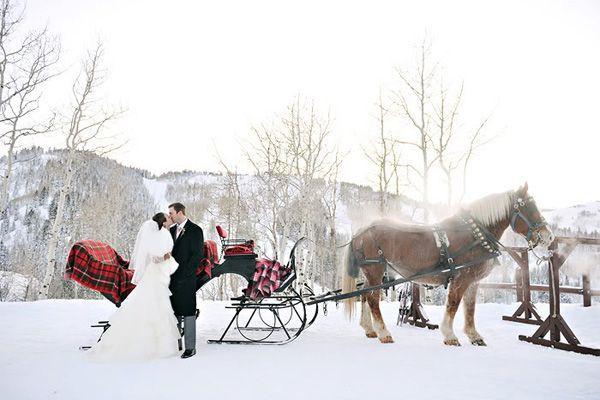 winter-wedding-ideas-vintage-winter-wedding-12