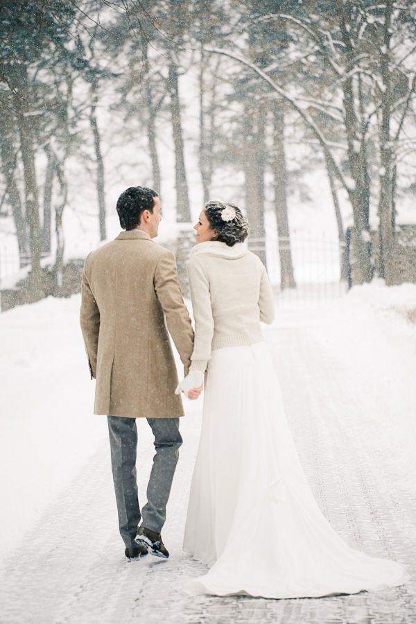 winter-wedding-ideas-vintage-winter-wedding-22