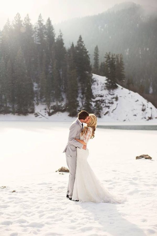 winter-wedding-ideas-vintage-winter-wedding-29