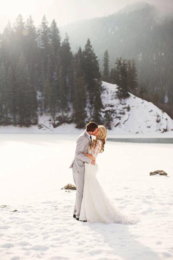 winter-wedding-ideas-vintage-winter-wedding-29