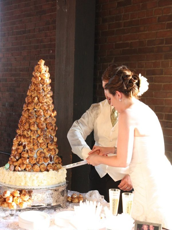 Check out these Wedding Cake Alternatives that will wow you into trying something different!