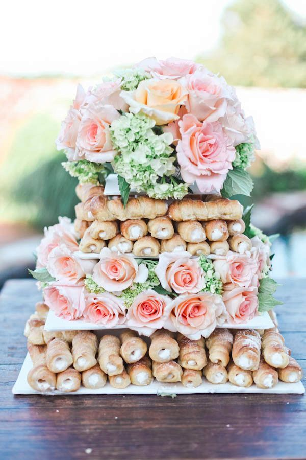 wedding-cake-alternatives-cannolis-vintage-inspired-8