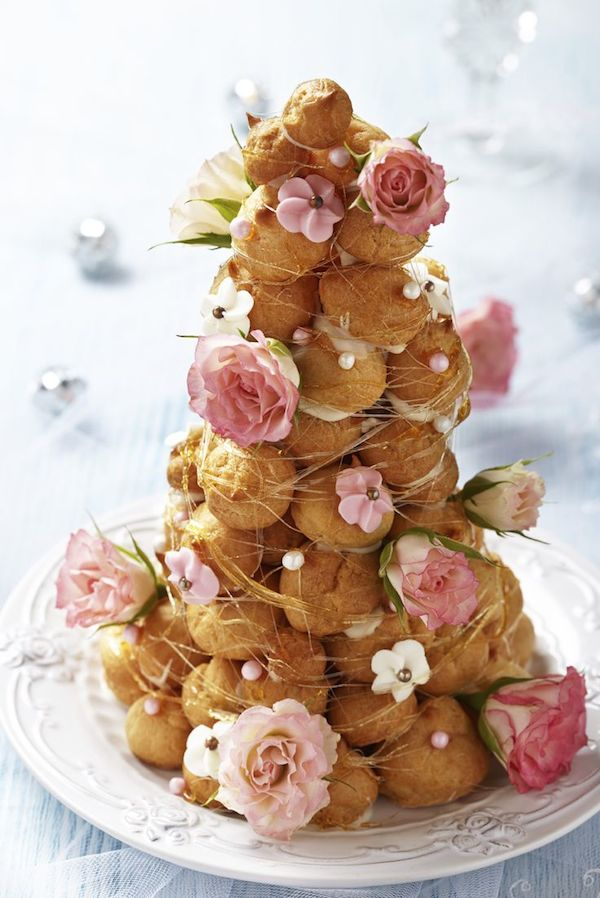 wedding-cake-alternatives-cream-puff-tower-vintage-inspired-desert-alternatives-10