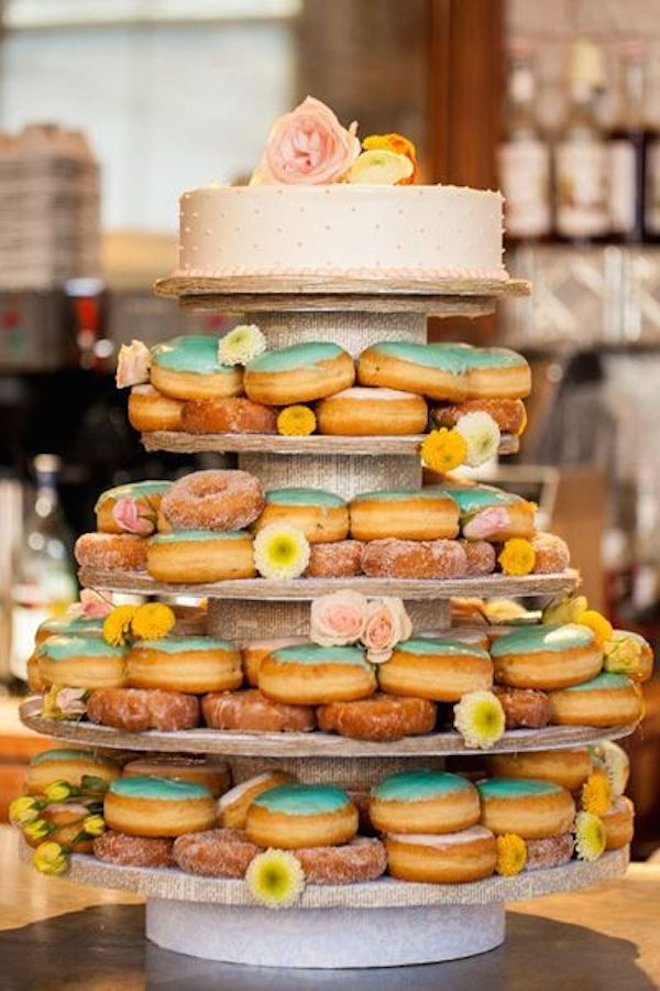 wedding-cake-alternatives-donuts-2