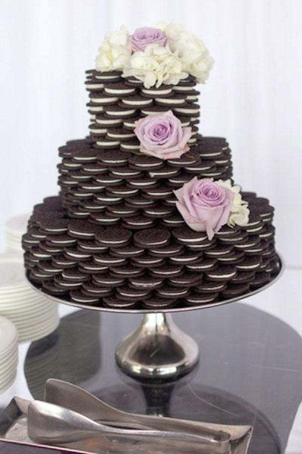 wedding-cake-alternatives-oreo-cookies-1